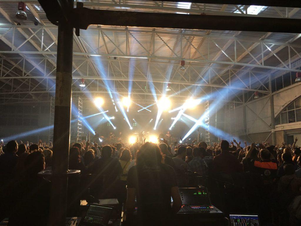 Loquillo en Madrigueras concierto arenas audio