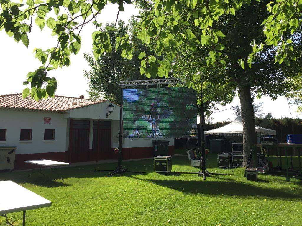 preparación pantalla Copa BTT Desafío Albacete
